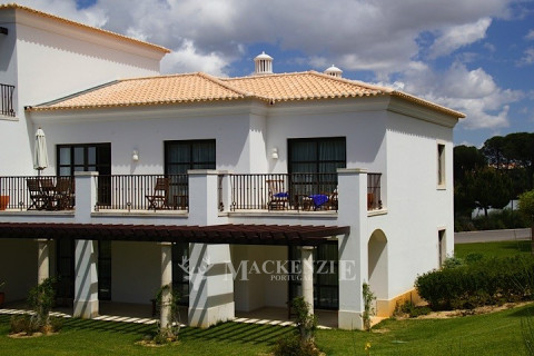 Luxury 2 Bedroom Apartment by the Golf Course with Sea Views in Açoteias