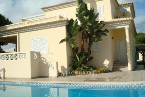 5 Bedroom Villa in Açoteias near the Beach